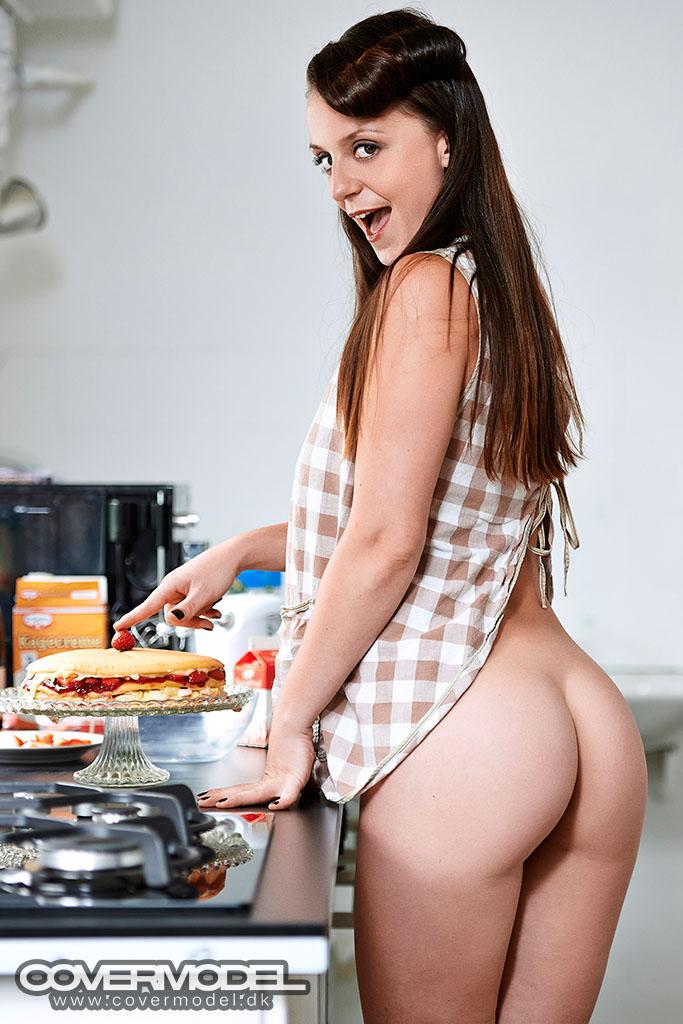 Denice klarskov i køkken