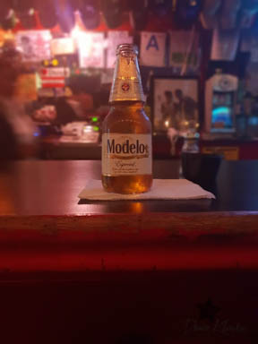 Modello på bar i La